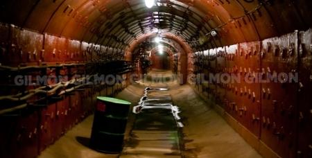 В компании Escape для вас открыты все двери и новая квест-локация в реальном бункере. 2 этажа под землёй...попробуй выбраться!